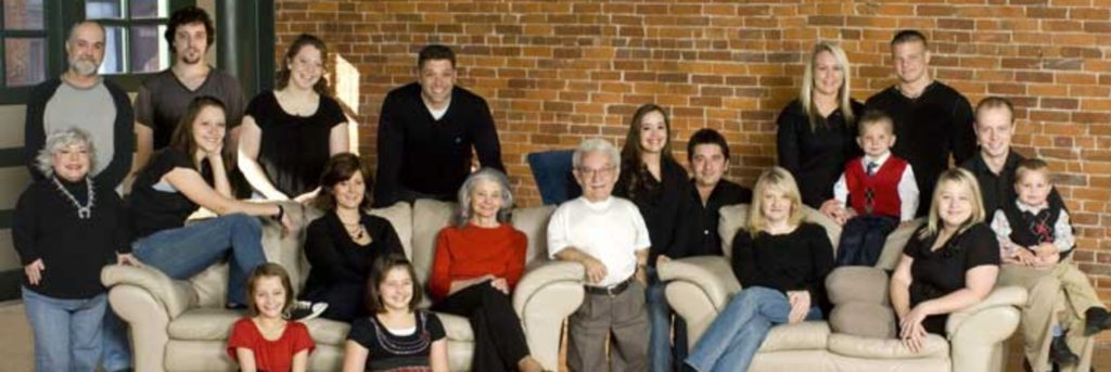 cropped-Family_Picture.jpg